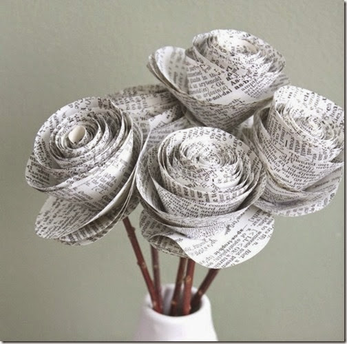 lazos y flores con papel periodico (6)