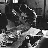 Dans les années 70 le réalisateur angloy Raoul Sangla les fit chanterà Sare pour une soirée de Noël télévisée.