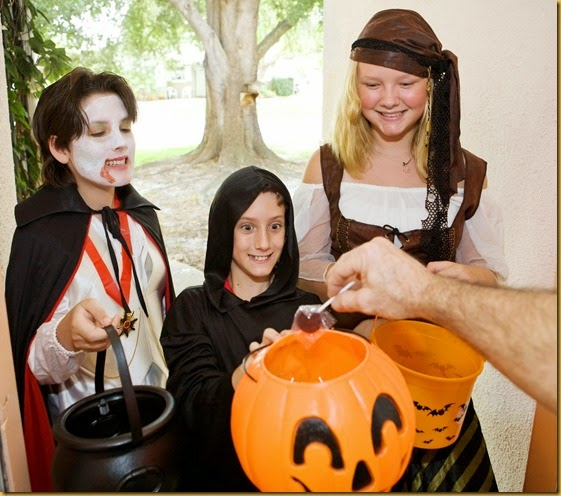 A Mom's Guide to Trick or Treating 2