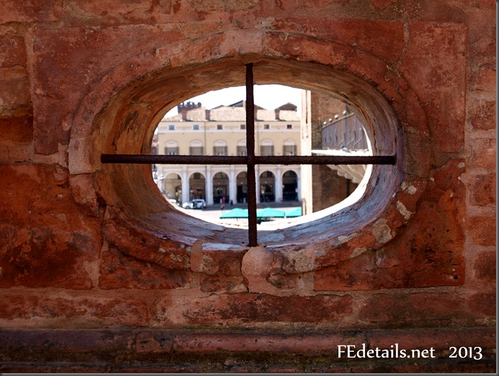 Visuali dal Giardino degli Aranci del Castello Estense, Ferrara - Visuals from the Orange Garden of the Estense Castle,Ferrara, Italy, Photo3