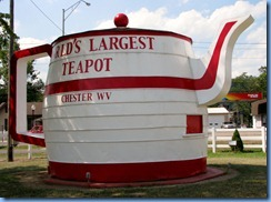 3533 West Virginia - Chester, WV - Lincoln Highway (US-30) - World's Largest Teapot