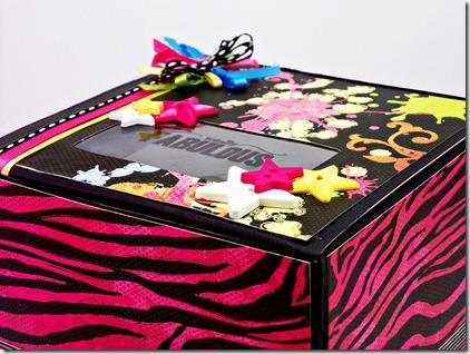 Neon Chic Box3