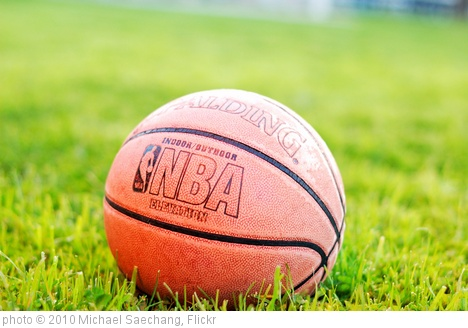 'Basketball' photo (c) 2010, Michael Saechang - license: http://creativecommons.org/licenses/by-sa/2.0/