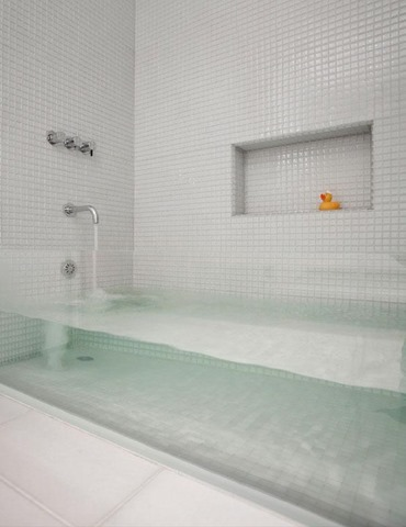 11. CLEAR BATH TUB