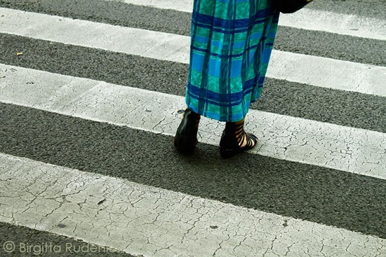 feet_20110922_blueart