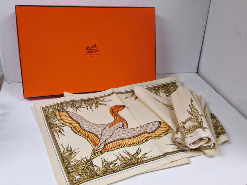 Hermes Placemat Set
