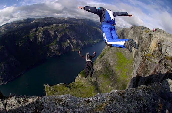 Norway-cliffs-BASE-Jumpers-paradise.jpg