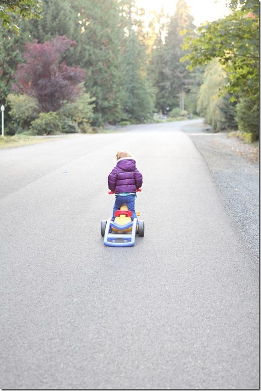 Sara pedaling (11)-blog