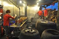 "Pollastre ""a la brasa"", molt famòs a Yilan Famous roasted chicken at Yilan"