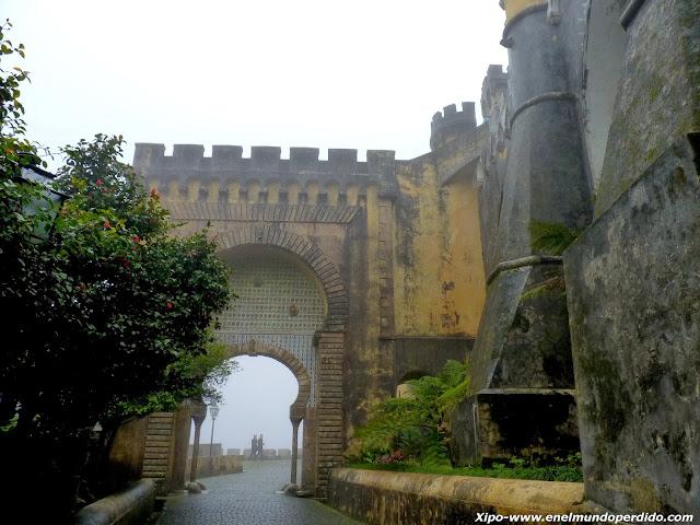 puerta-de-acceso-al-palacio.JPG
