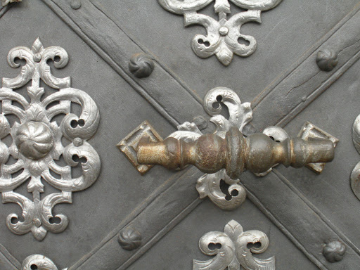 A great detail of the door. (Prague)