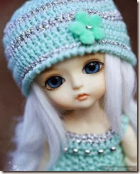cute-doll-girl-blue-eyes-alone-barbie