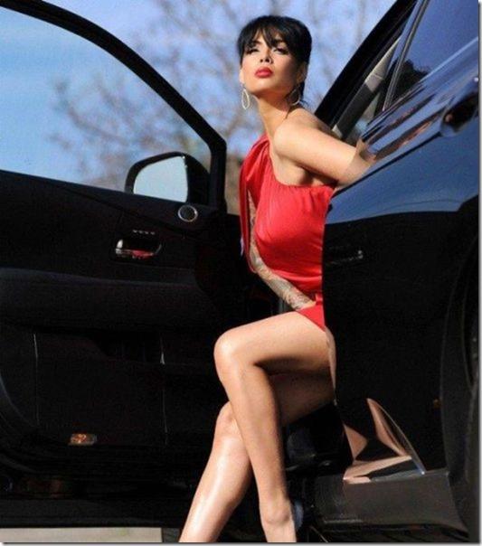cars-women-mechanic-17