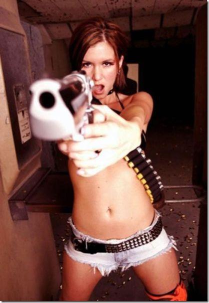 hot-women-guns-41