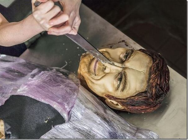 Dexter ganha bolo em tamanho real por última temporada (6)