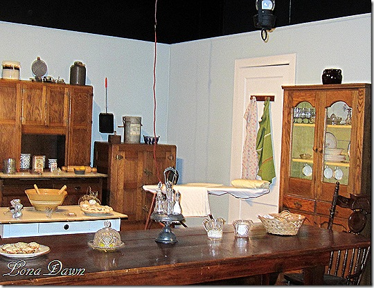 Waltons_Kitchen_Table