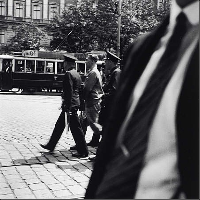 6 An Arrest, Vienna 1930-33