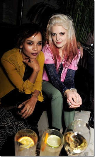 Zoe Kravitz (L) and ALison Mosshart