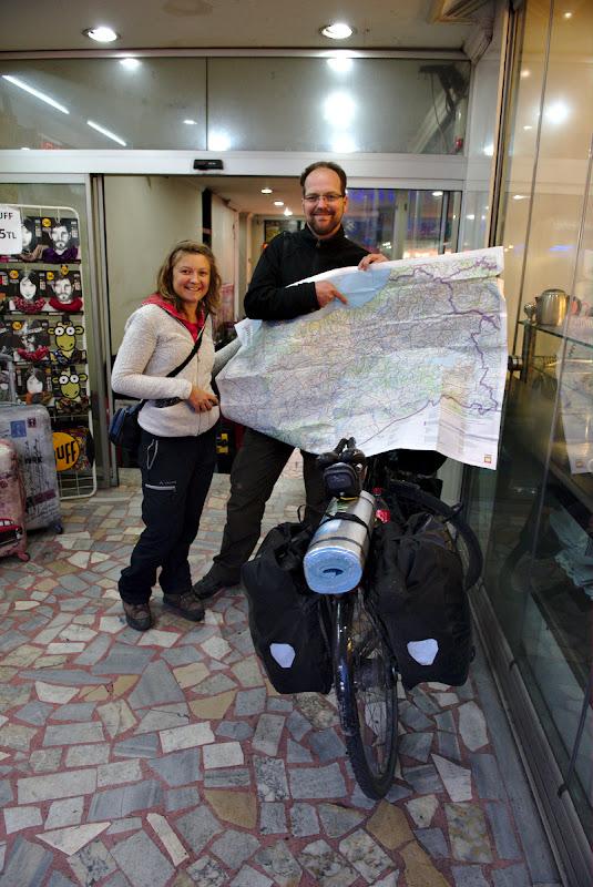 Intalnirea cu Irina si cu Jan, din categoria cat de mica e lumea cicloturistilor.