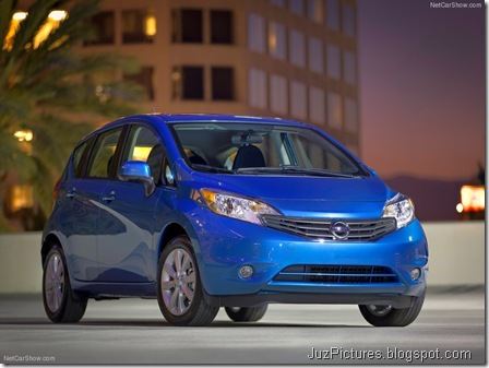 Nissan-Versa_Note_2014_800x600_wallpaper_03