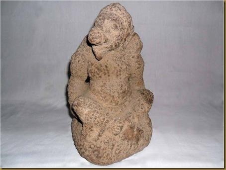 BARANG ANTIK : Patung Jatayu dari batu tua