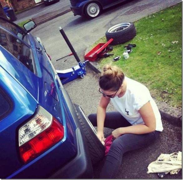 cars-women-mechanic-4