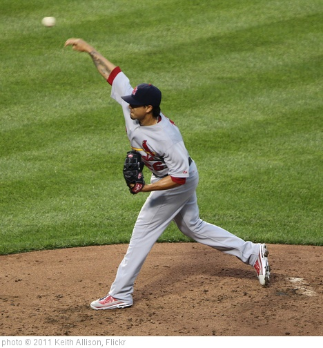 'St. Louis Cardinals starting pitcher Kyle Lohse (26)' photo (c) 2011, Keith Allison - license: http://creativecommons.org/licenses/by-sa/2.0/
