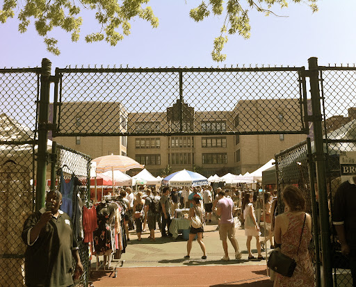The entrance to the market.