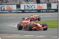 Raikkonen e Massa nel gran premio di Francia 2008