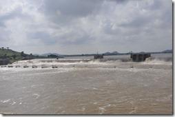 orchha khajuraho 009 barrage constriut par les anglais