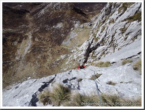 Via Intrusos 350m MD  7a  (6b A0 Oblig) (Alto Les Palanques, Picos de Europa) (Victor) 0041