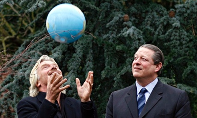Richard Branson, left, with former US vice-president Al Gore, in London, UK. Photo: Kieran Doherty / Reuters