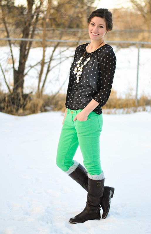 green pants +dotted black blouse + white bubble necklace