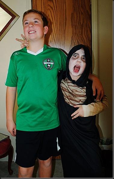 10-31-12 Zach & Zane costumes 2