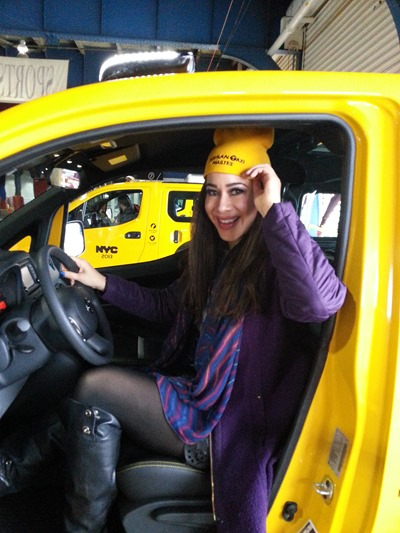 LeAura NISSAN Taxi
