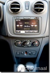 Dacia Sandero 09 TCe 06