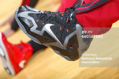 nike lebron 11 pe carbon miami nights 2 04 PE Spotlight: Nike LeBron XI Miami Nights Carbon PE