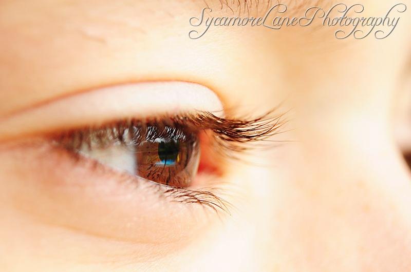 J-eyelashes