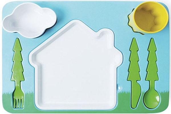 Jogo-de-Jantar-Infantil-Cenário-Casa-Árvores-Sol-Nuvem