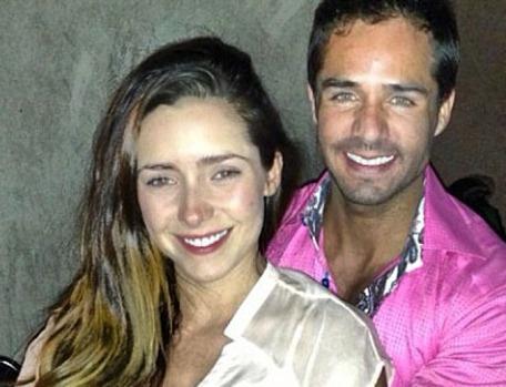 Ariadne Díaz y José Ron comparten en Twitter cada detalle del final de 'La Mujer del Vendaval'