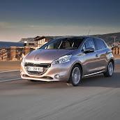 2013-Peugeot-208-HB-5.jpg