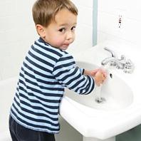 Приучаем ребенка мыть руки