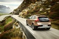 2013-Volvo-V40-Cross-Country-11