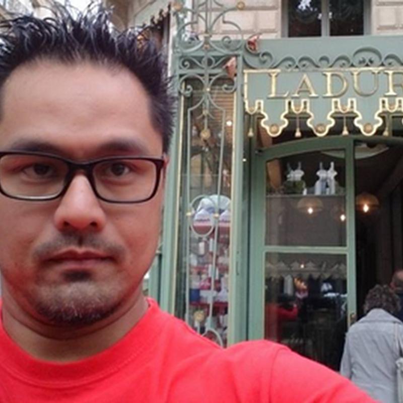 Laduree , Paris