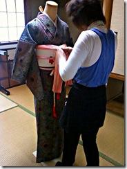 美容師さんの他装着付け練習 (3)