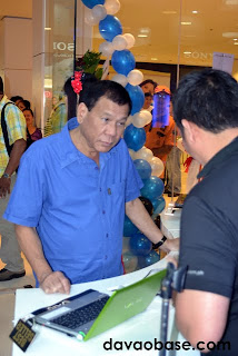 We never expected Vice Mayor Rody Duterte to appreciate digital entertainment until we saw him in Sony Centre!