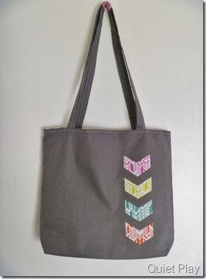 Arrow applique on tote bag