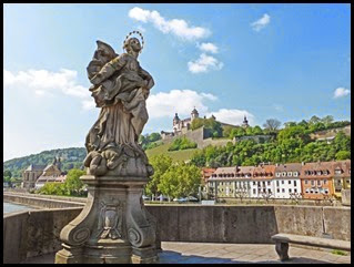 W-bridge-and-palace_edited-1_thumb2