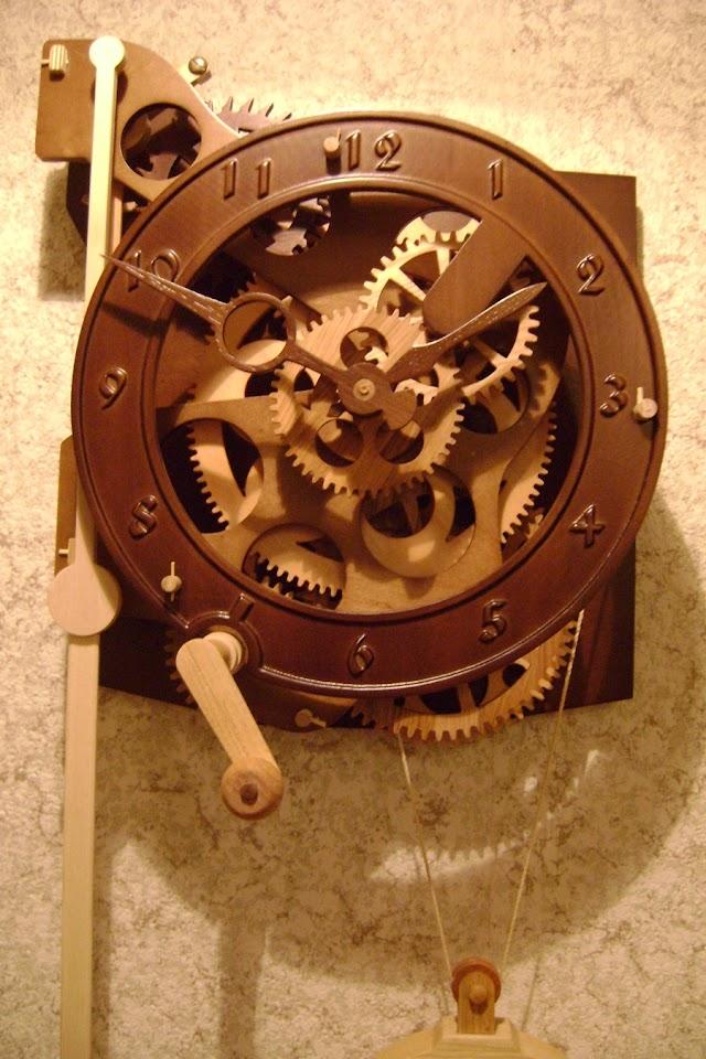 Наши первые деревянные часы