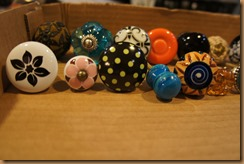 12 gathering knobs